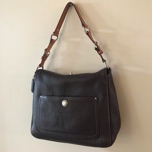 Coach Chelsea Turnlock Leather Shoulder bag
